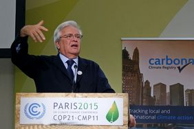 Joan Clos, United Nations Settlement Program bei seiner Rede auf dem Klimagipfel in Paris