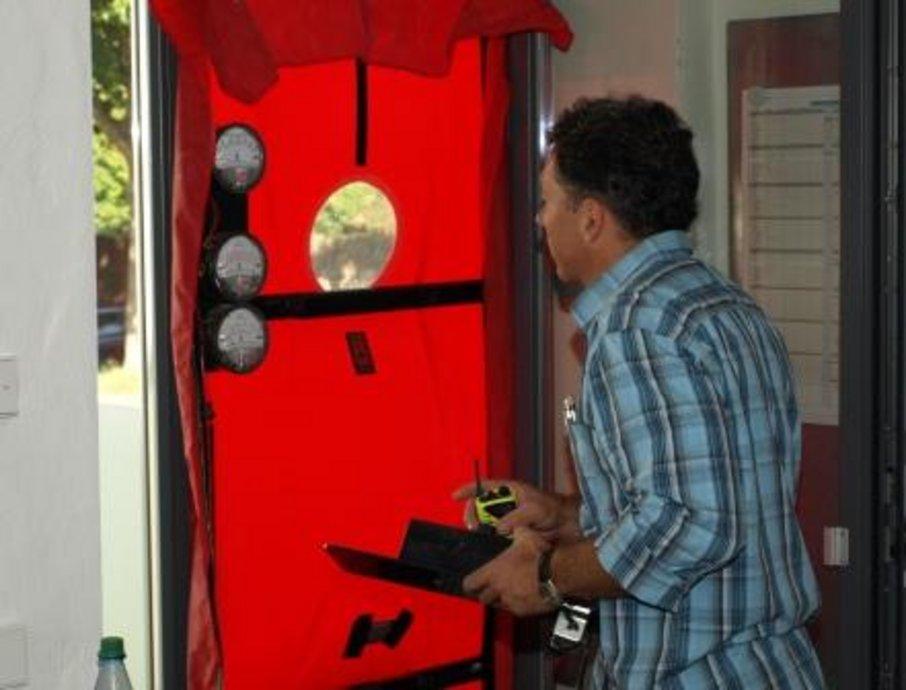 blower door tests sind fehleranf llig. Black Bedroom Furniture Sets. Home Design Ideas